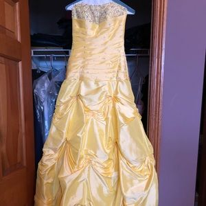 Yellow Cinderella dress